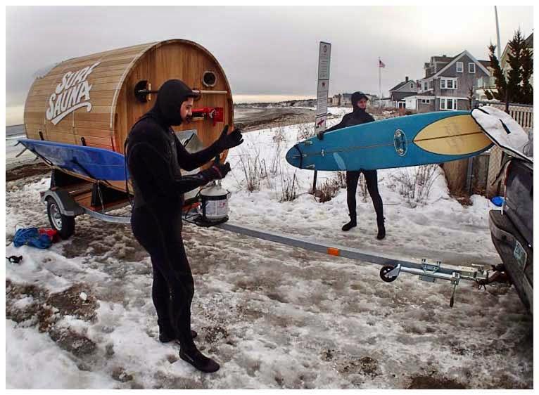 Surf Sauna может быть отбуксирована прямо на пляж