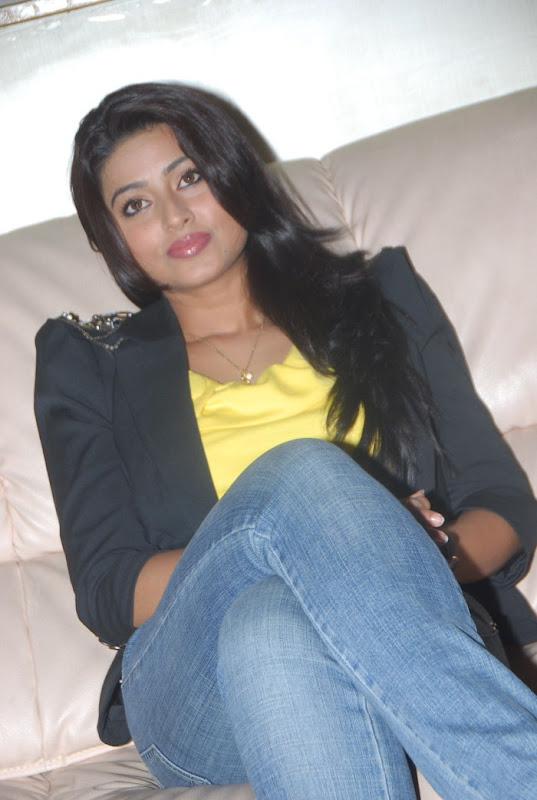 Sneha Latest Photo Gallery Part II gallery pictures