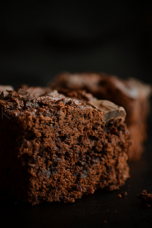 glutinous rice and cocoa powder Ingredients and allergens list if  syrup, sugar, glutinous rice, starch, vegetable  skimmed milk powder, vegetable oil, cocoa powder, whole milk powder.