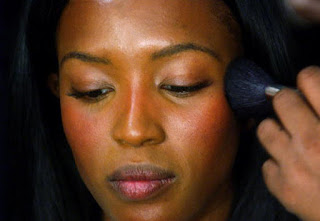 Las pieles oscuras y negras requieren un maquillaje específico y diferente de otros tipos de pieles