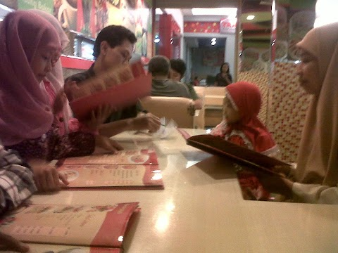 Family and Togetherness: Got Dinner at Carefour