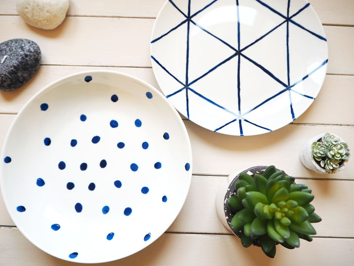 Diy handpainted ceramic plates tutorial made up style for Ceramic mural tutorials