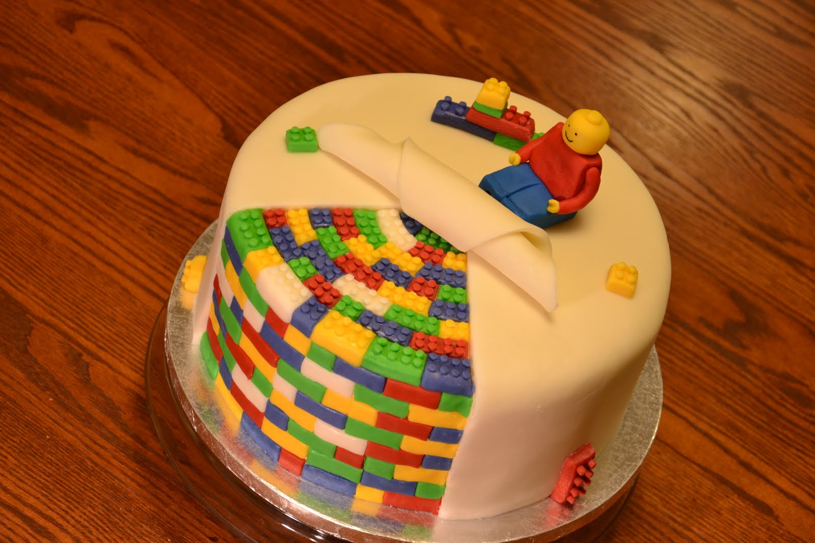 Cake Designs Easy To Make : CAKE by Alana: Lego Cake