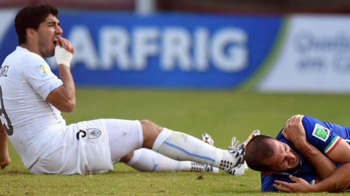 Inilah Video Luis Suarez Menggigit Giorgio Chiellini [Insiden Grup D Piala Dunia 2014 Brazil Antara Italia vs Uruguay]