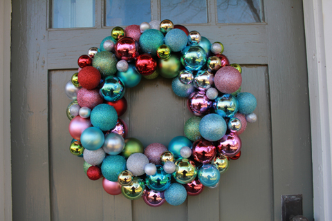 shiny ball ornament wreath diy - Christmas Ball Wreath