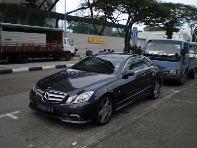 Mercedes E Class Couple
