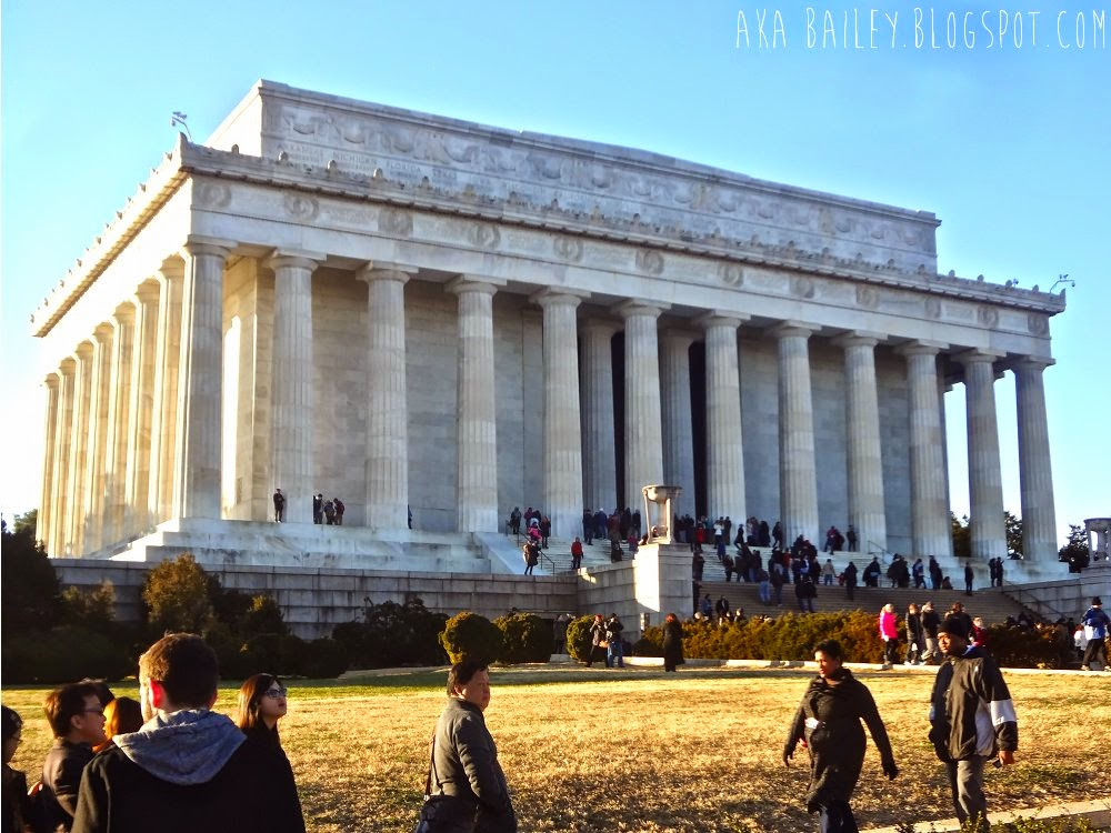 The exterior of the Lincoln Memorial