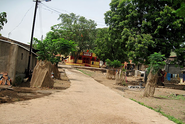 village road to temple