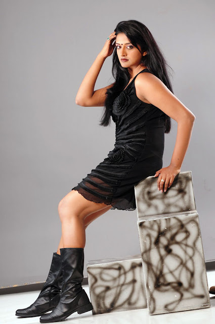 Actress  Vimala Raman Latest Hot Photoshoot Images