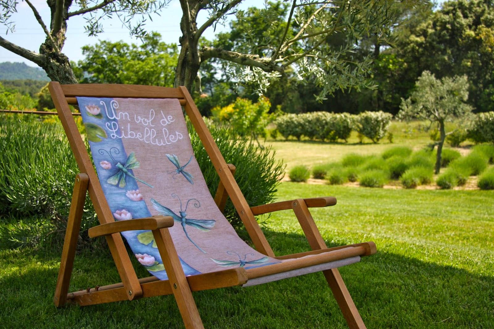 Lilas des bois la douceur du printemps s 39 installe en ce for Chaise longue en toile