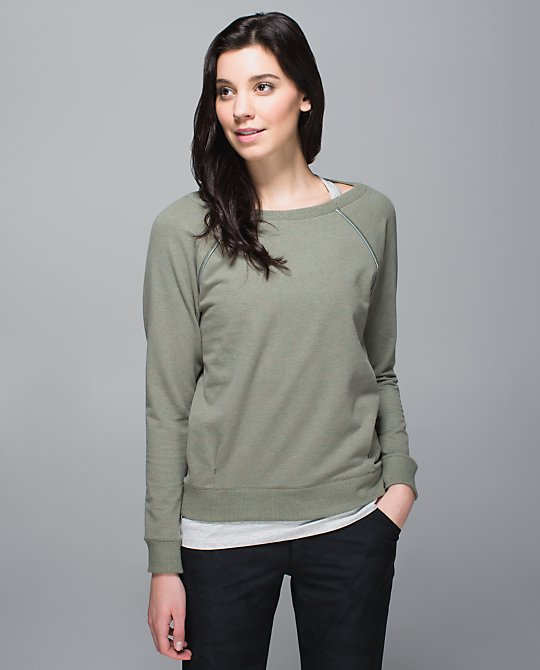 lululemon-fatigue-fog-crew-love-pullover