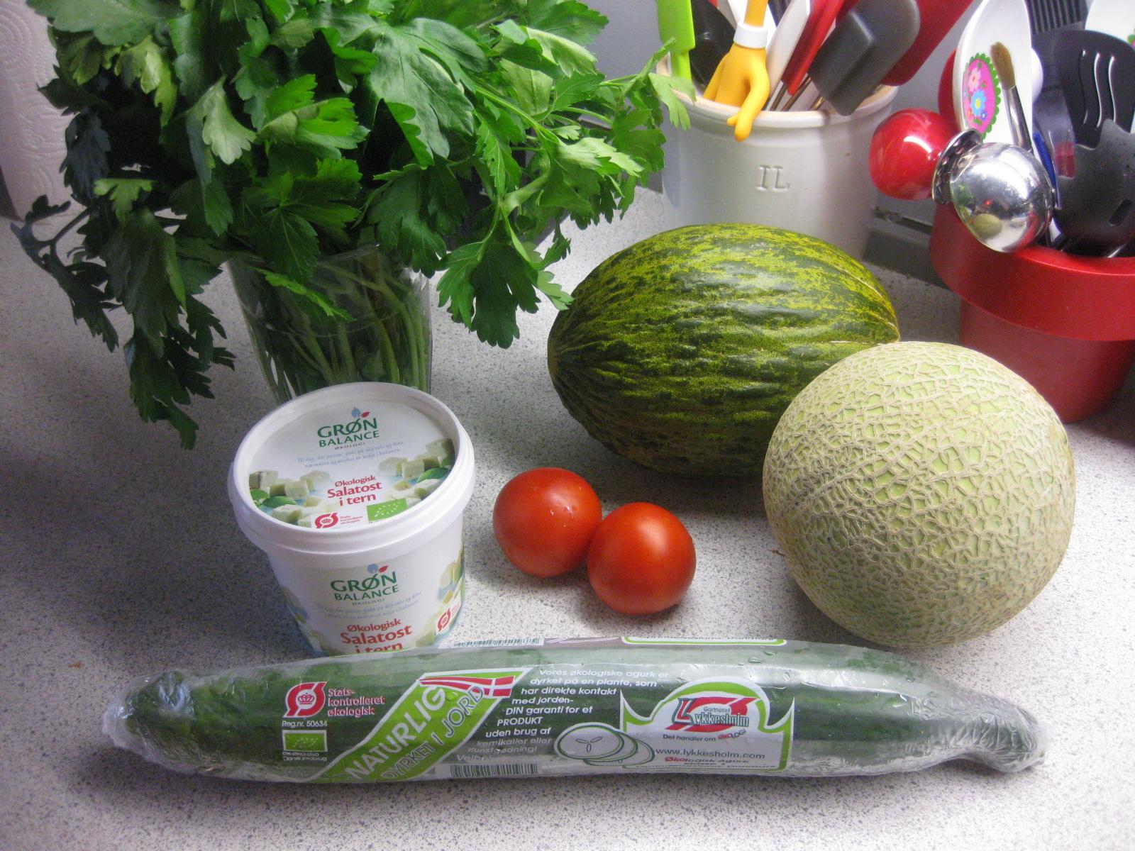 melonsalat med feta og rødløg