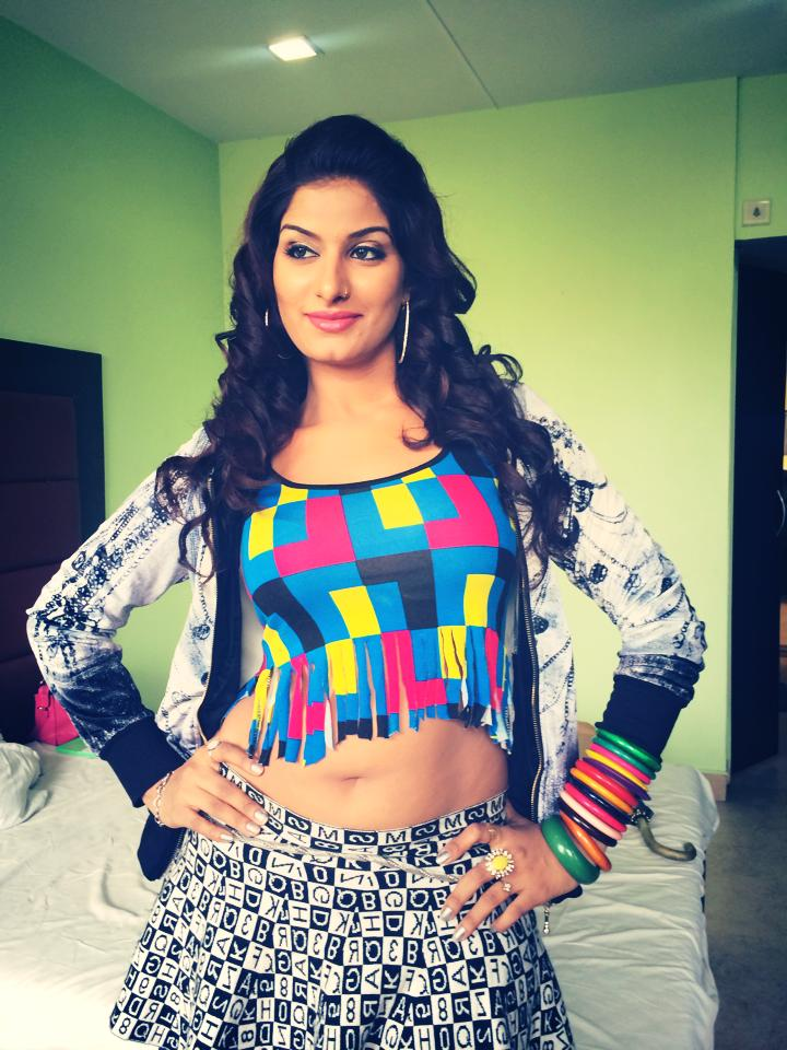 Download Bhojpuri Actress Poonam Dubey HD Wallpapers - Latest Hot Pics, Images