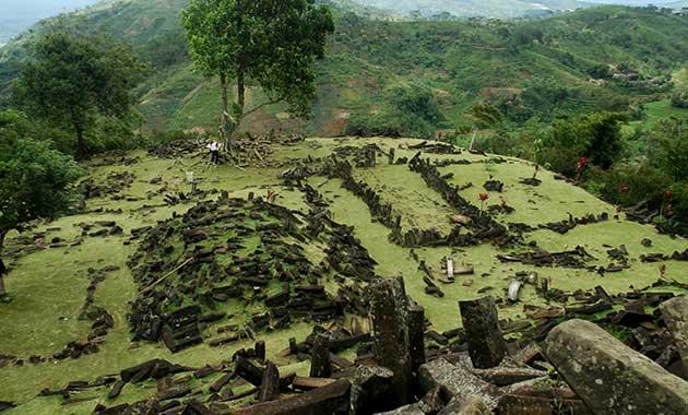 Peledakan Situs Gunung Padang Menuai Protes