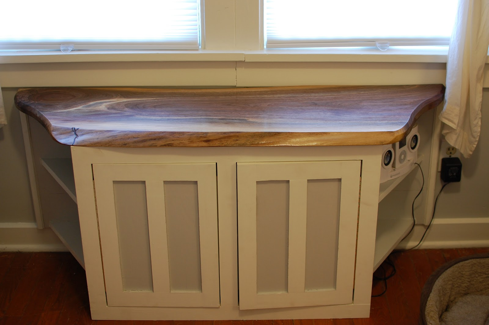 window seat walnut top