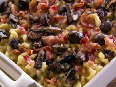 Gina 39 s italian kitchen fancy mac and cheese from the for Pioneer woman mac and cheese recipe