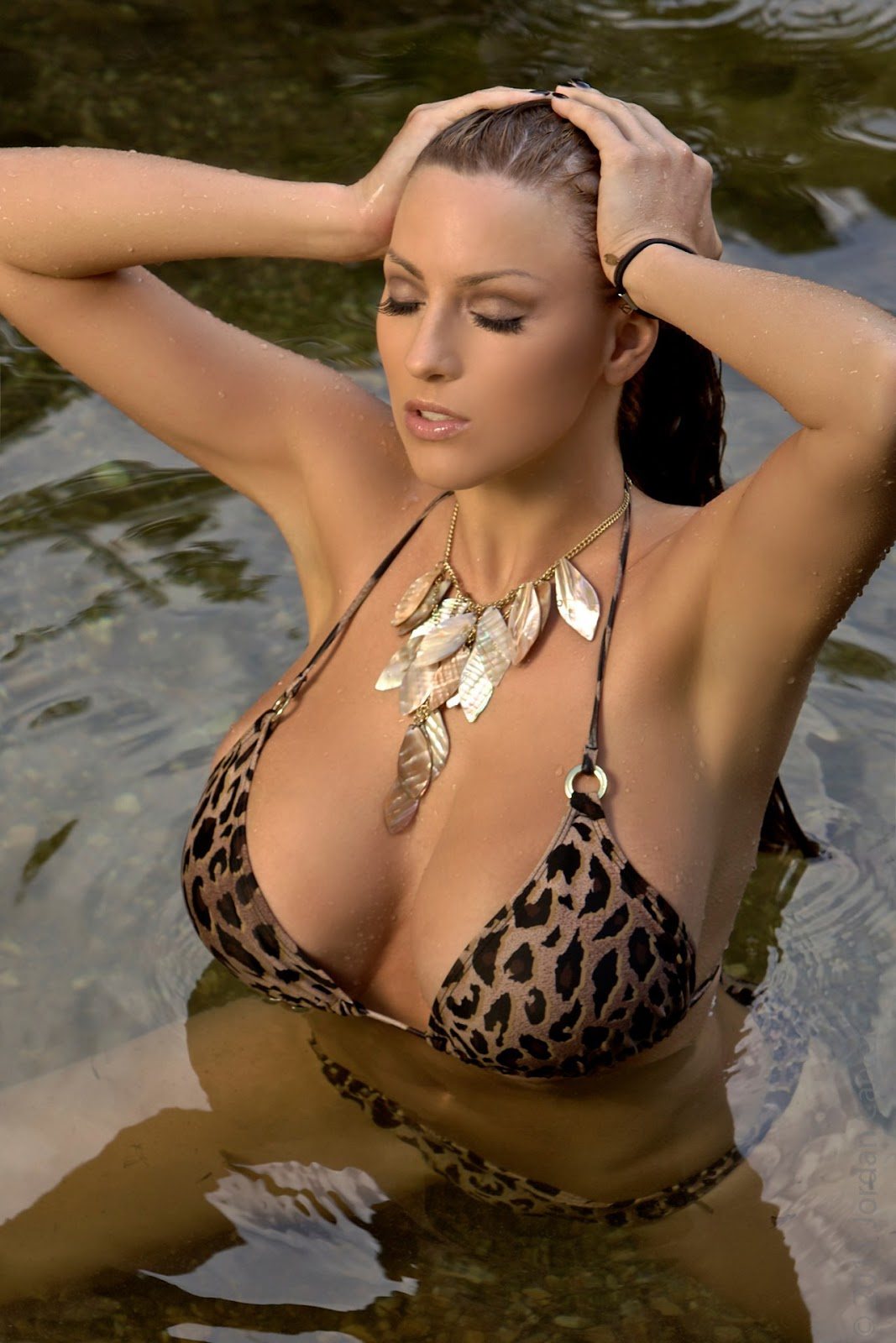 Jordan carver tuscan shower