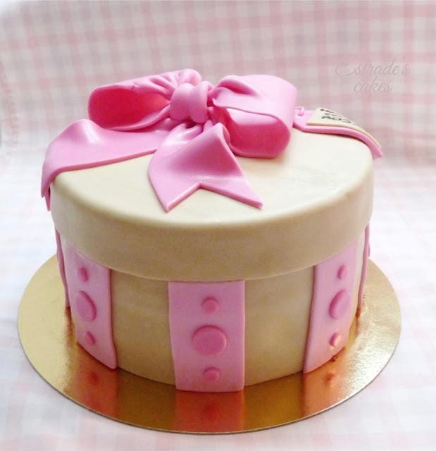 tarta caja decorada con fondant - 4