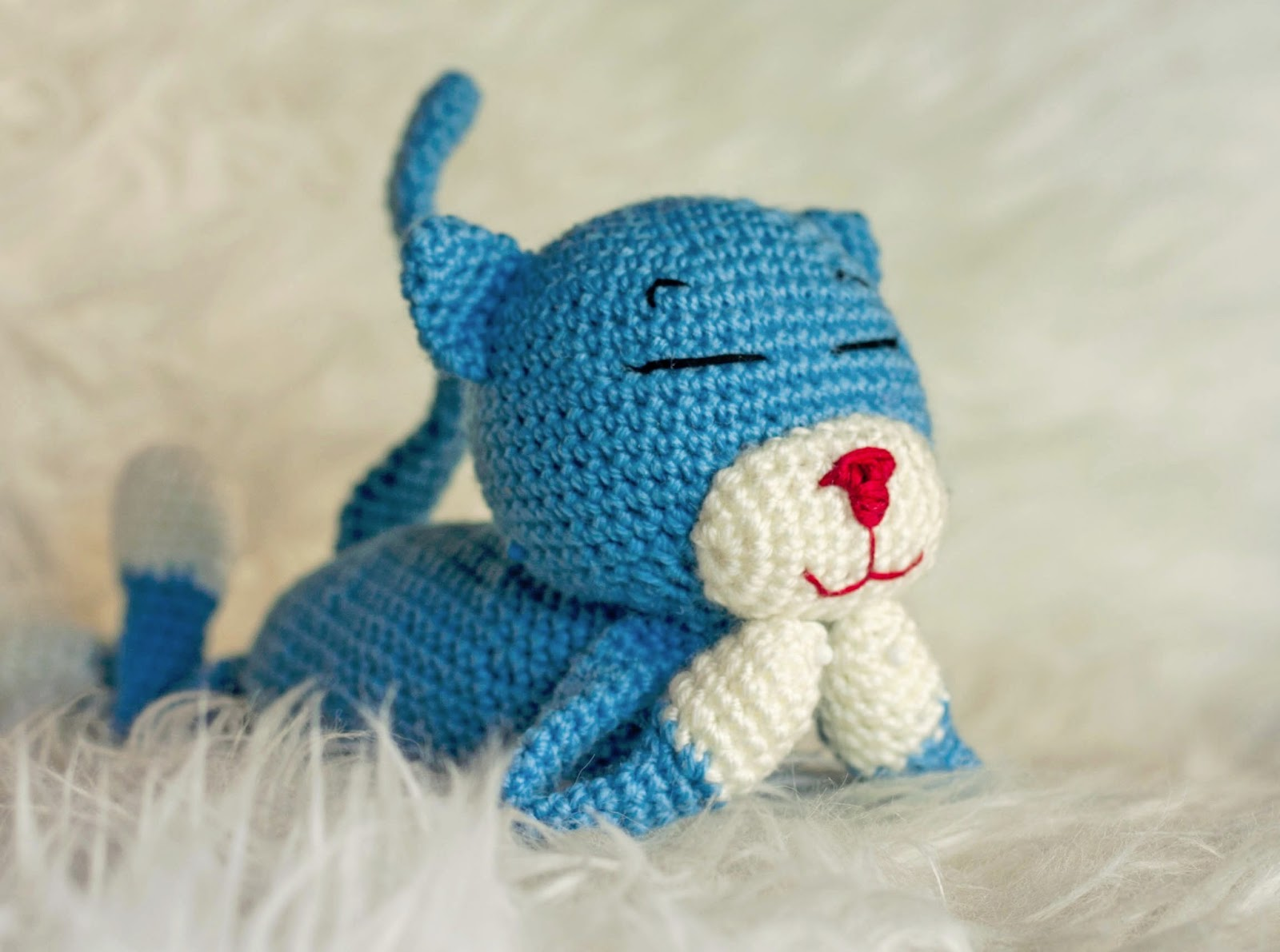 Crocheting Cats : The Dapper Toad: Crochet Kitty (free pattern link!)