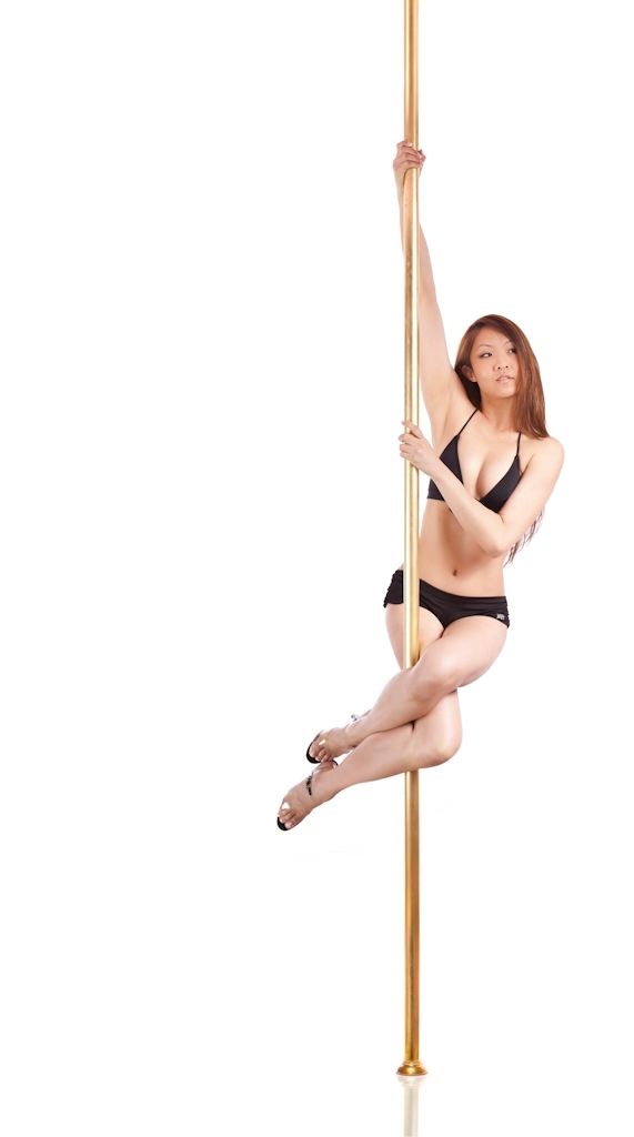 Geisha - The high-intensity pole exercises combine strength-based internal training and isometric muscular contractions that give the body a full workout.