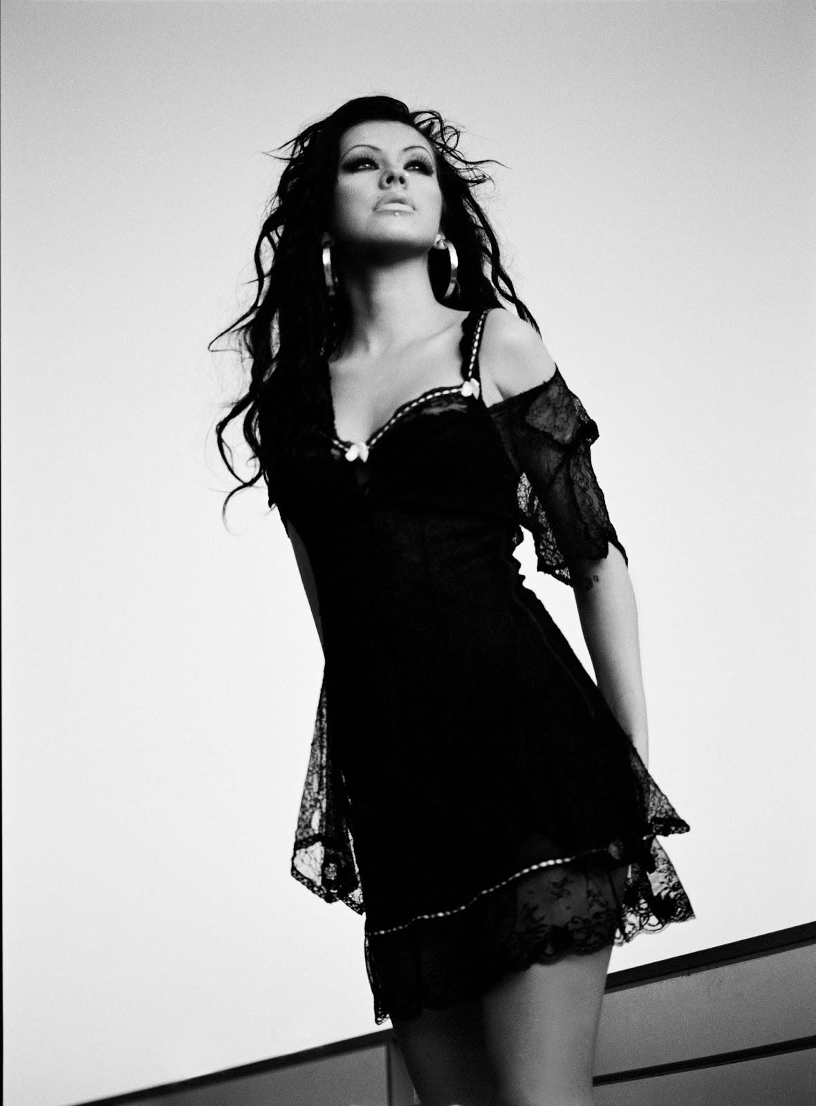 http://1.bp.blogspot.com/-cSyiDkEgg7M/UGKEJEDL2cI/AAAAAAAADjc/ym4Za0UzUyM/s1600/Christina+Aguilera+-+Stripped+Album+Promos+-+02.jpg