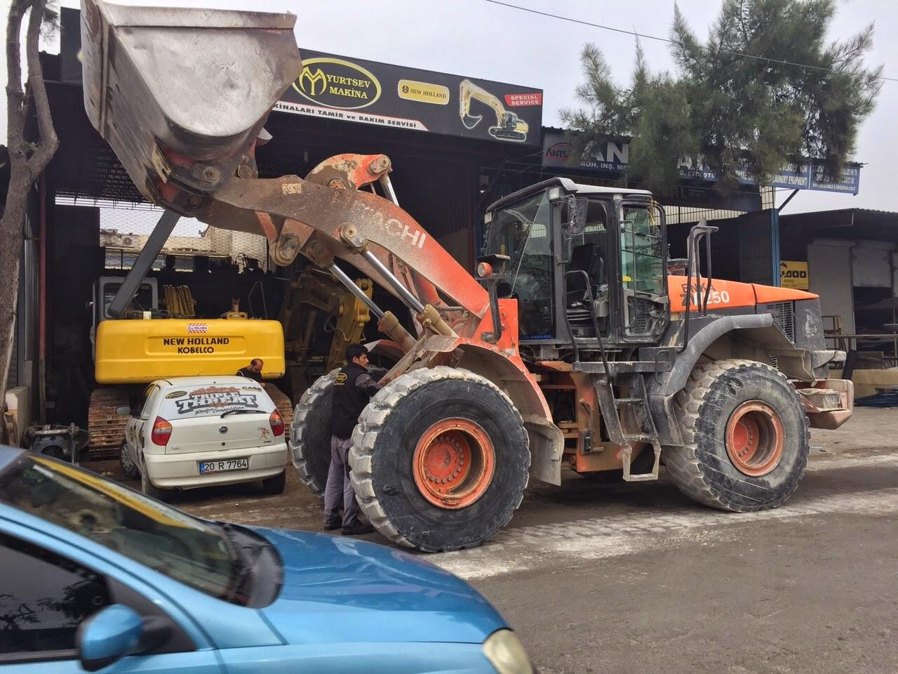 is makinaları: kobelco newholland servisi antalya
