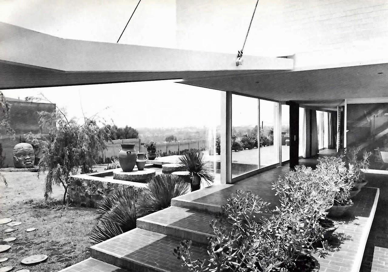 La forma moderna en latinoam rica el pedregal de san ngel for 777 jardines del pedregal