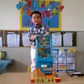 Kue Ulang Tahun Anak CupCake Birthday Cake Animal Kaiser cake