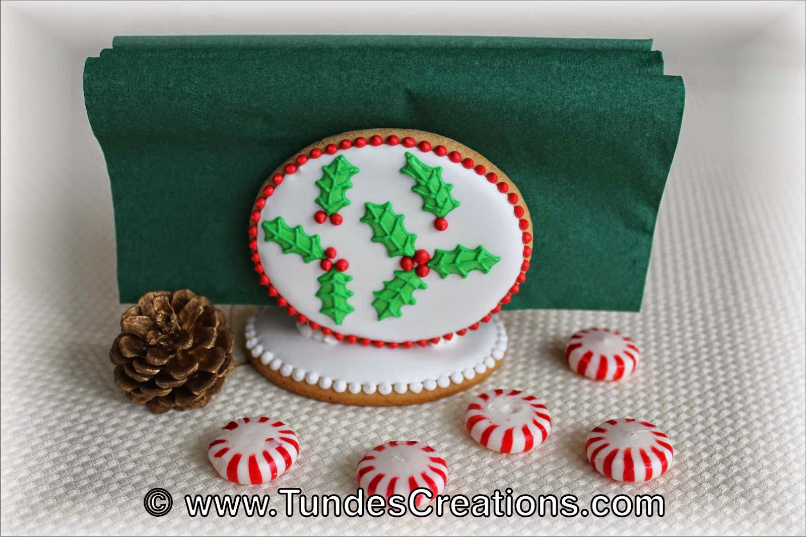 Gingerbread Christmas napkin holder with Holy pattern