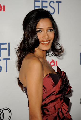 Freida Pinto HD Wallpapers