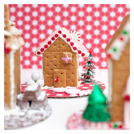One Charming Party Gingerbread Houses Design Dazzle