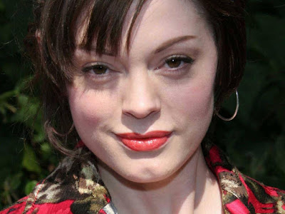 Rose McGowan Lovely Wallpaper
