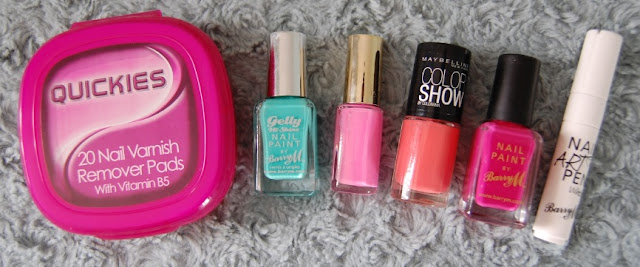 Holiday nail items