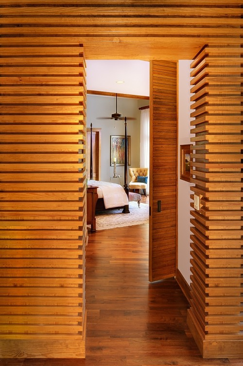 Hallway into bedroom at Tree House by Anderson Studio Of Architecture And Design