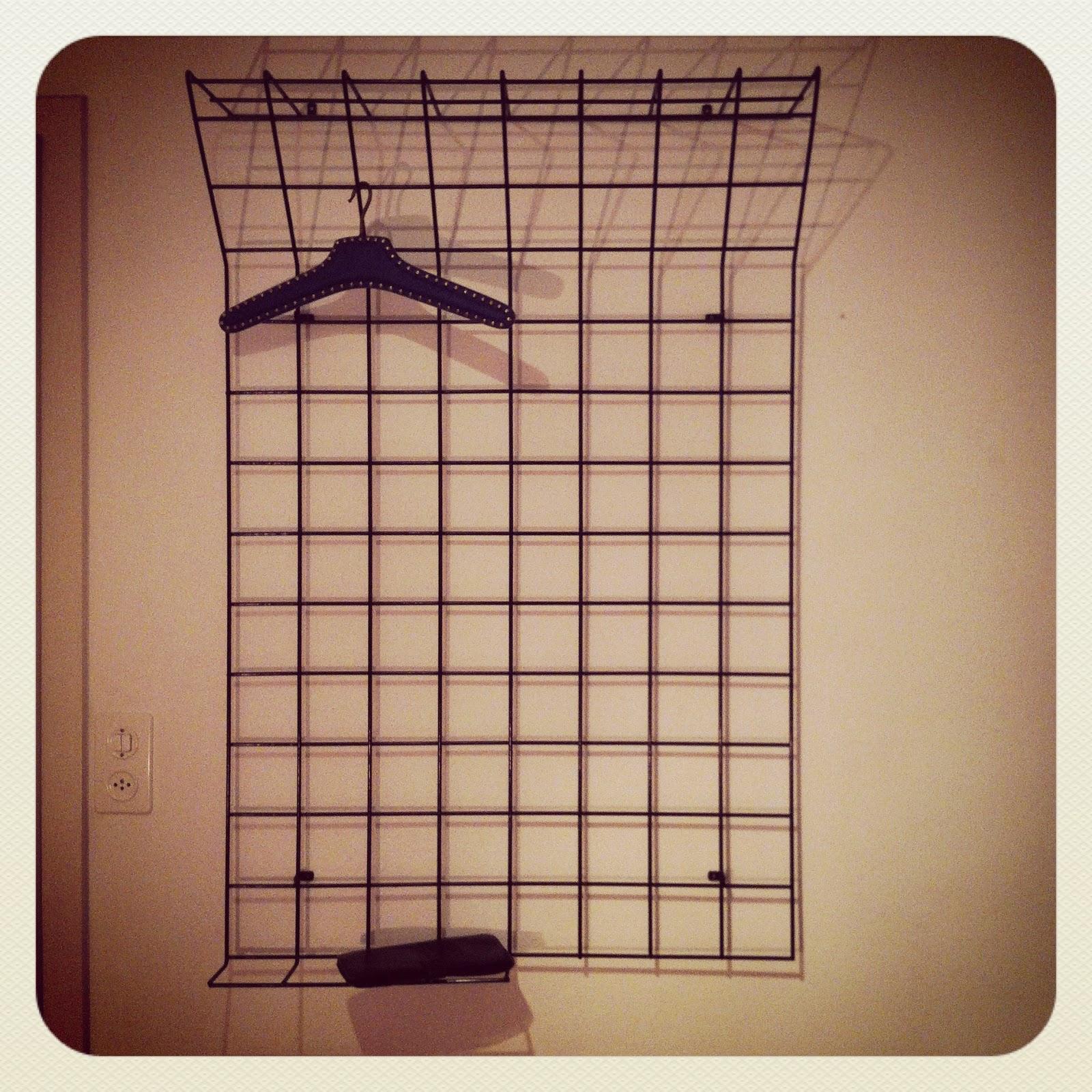Garderobe Gitter 70er jahre gitter metall wandgarderobe verkauft le site des objets