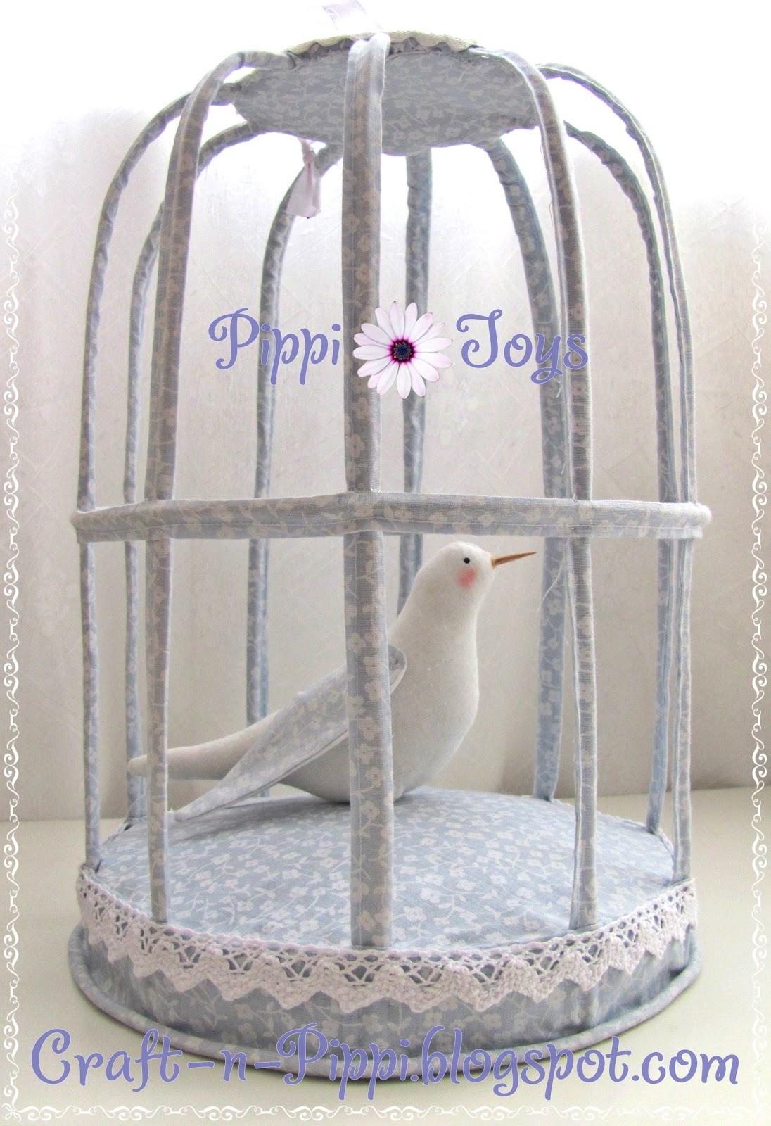 Клетка с птичкой тильды