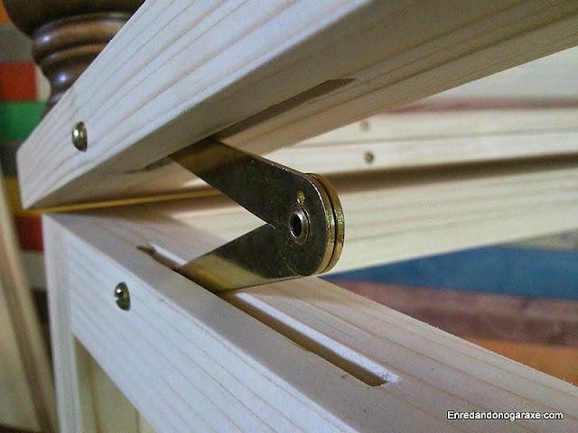 Cómo instalar compás de retención de puerta. www.enredandonogaraxe.com