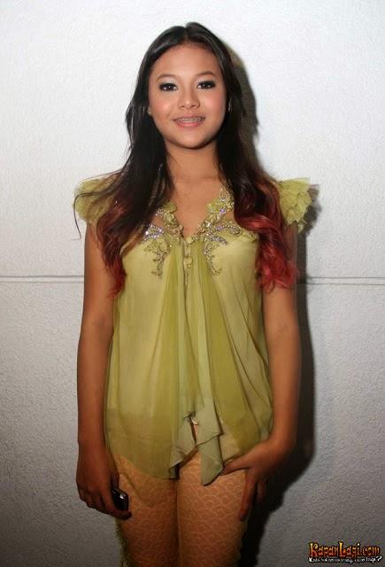 Foto Model Baju Kebaya Aurel