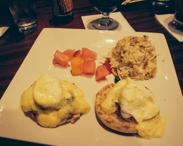 Eggs benedict at Tenn 16 in Nashville, TN