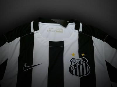 Santos terá seis patrocinadores para os jogos contra o Corinthians