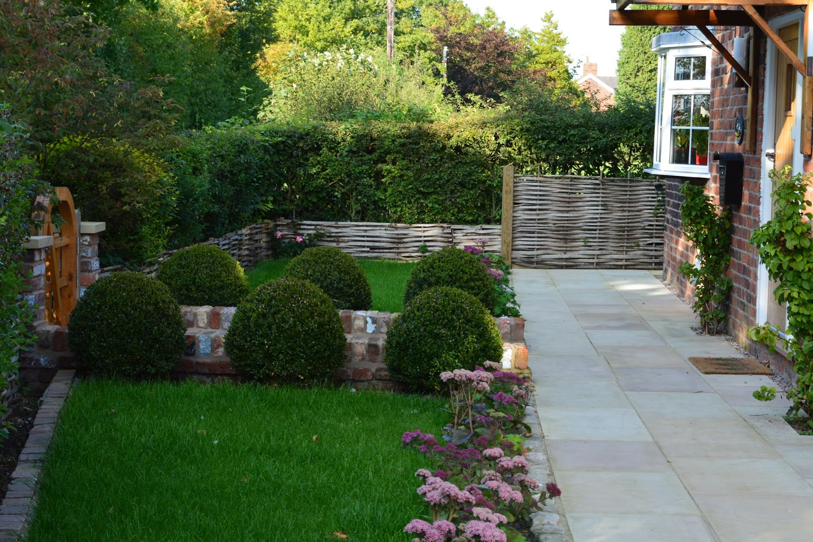 David keegans garden design blog welcome back to the for Back garden designs uk