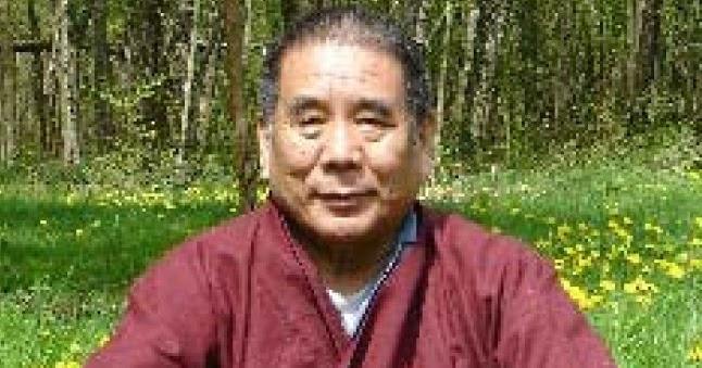 Miroir du dharma enseignement de lama tashi gyatso sur un for Miroir du dharma
