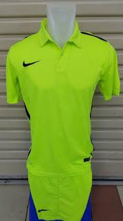 gambar detail dan toko online enkosa sport Jersey setelan futsal Nike Challenge warna hijau stabillo terbaru 2015
