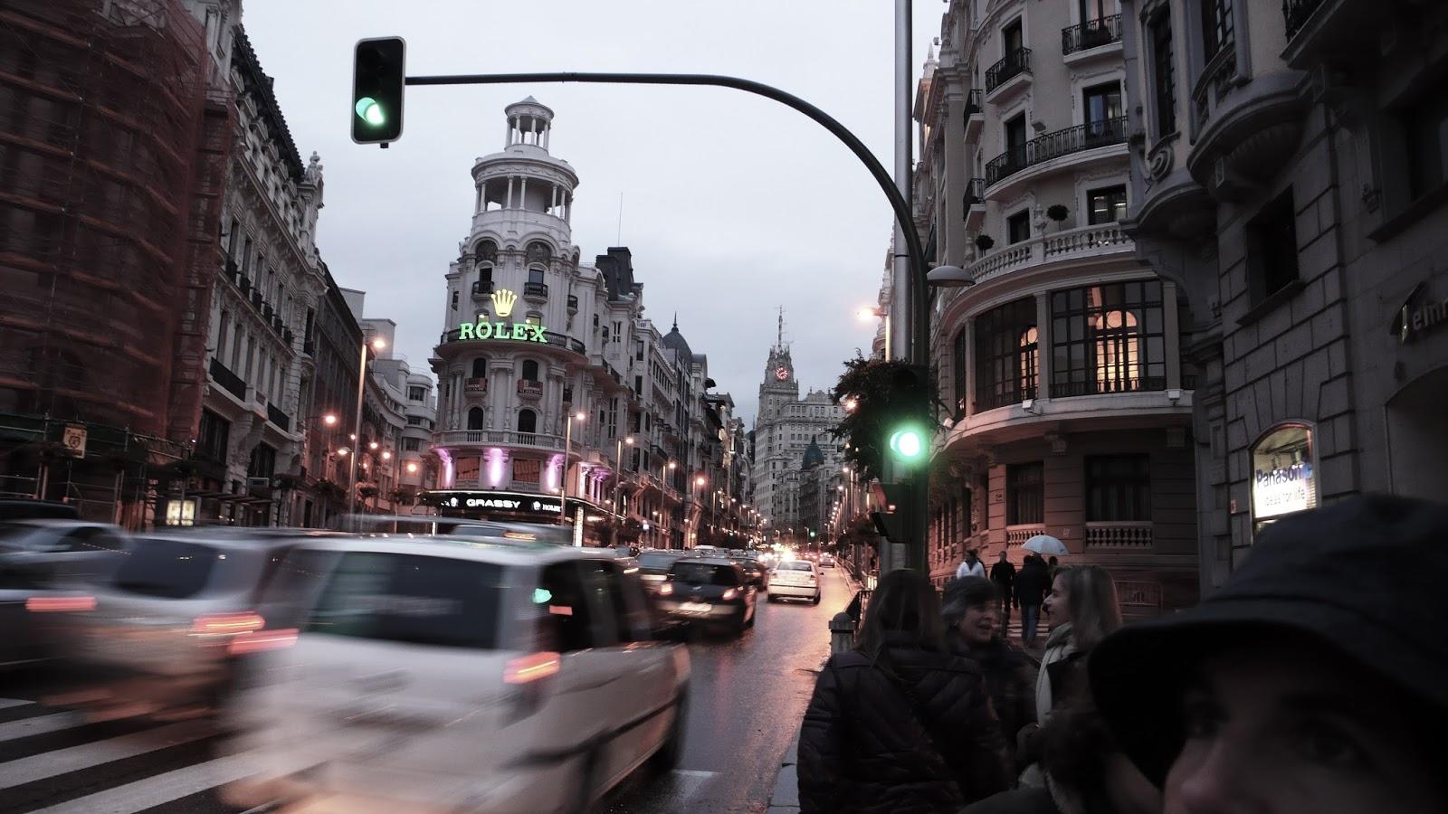 EL BLOG DE TON REVILLA: Un día gris, en Madrid...