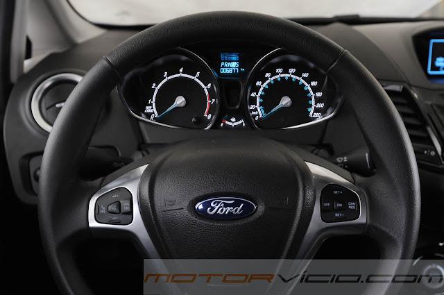 Novo Fiesta 2014 Automático - volante
