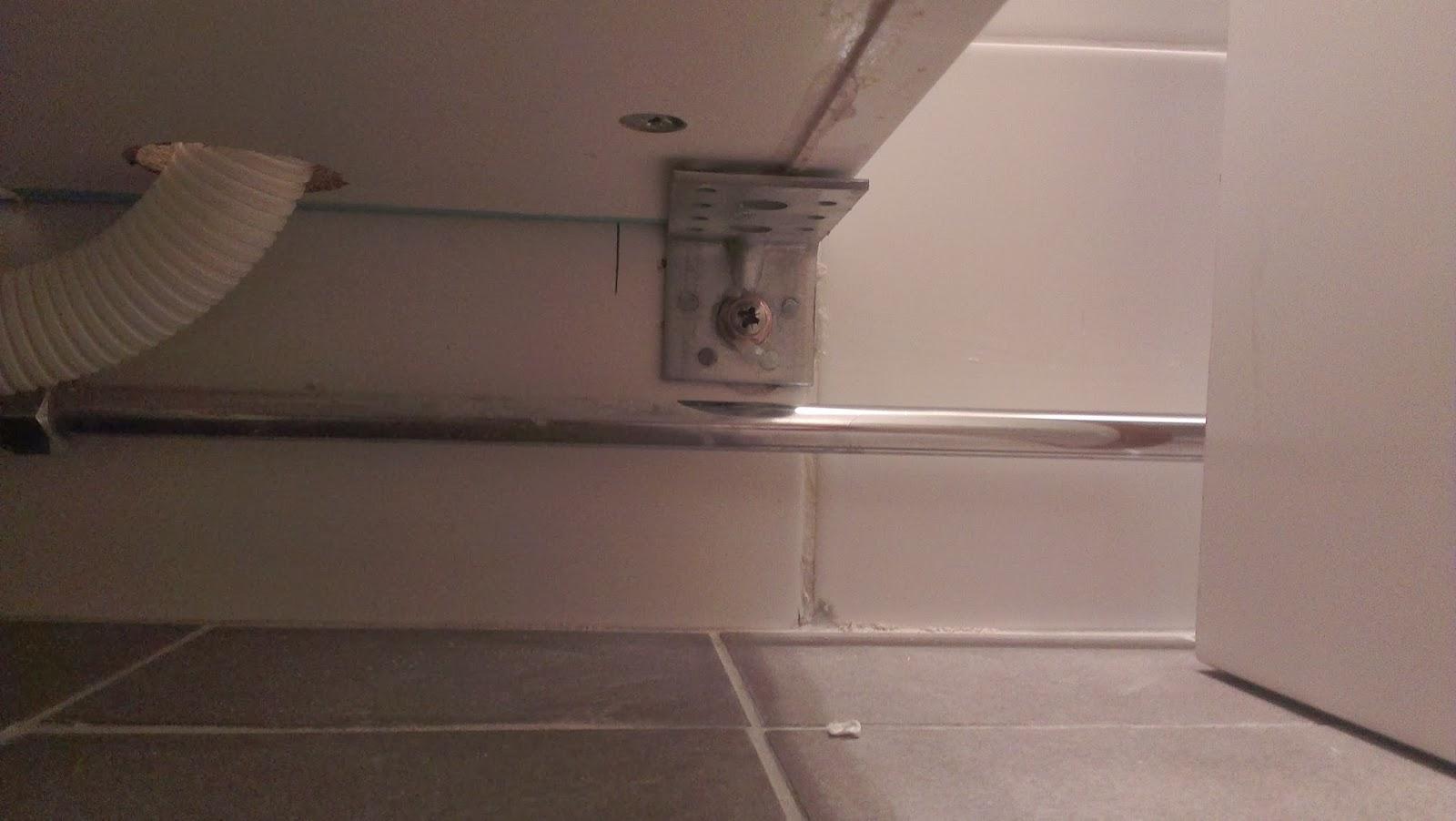 Släng dig i väggen, Ernst! Bygga kommod med lådor till badrummet av Ikea Metod köksskåp, del 2