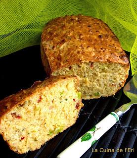 Pastís d'arròs integral, formatge i verdures