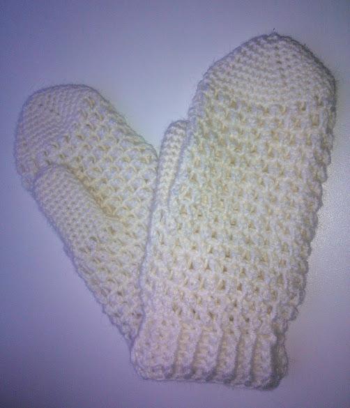 Вязаные рукавички/варежки ажурные крючком