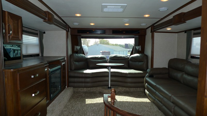 fifth wheel front living room. Front Living room features Industry s First ULTRA VIEW Deep Tint WINDSHIELD  Rushmore 5th Wheels LINCOLN