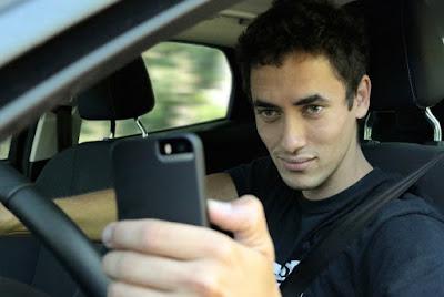 Suka Selfie dan Menfoto
